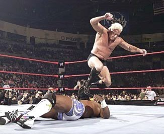 Ric Flair Giving Shelton Benjamin A Knee Drop